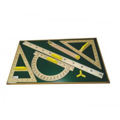Tablica magnetyczna pozioma z przyrządami klasycznymi